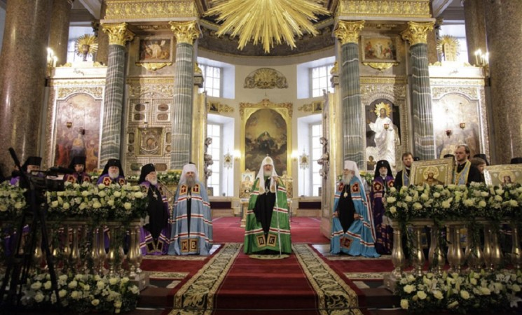 """Руският патриарх Кирил: """"Дай Боже винаги да бъдем на страната на светлината"""""""