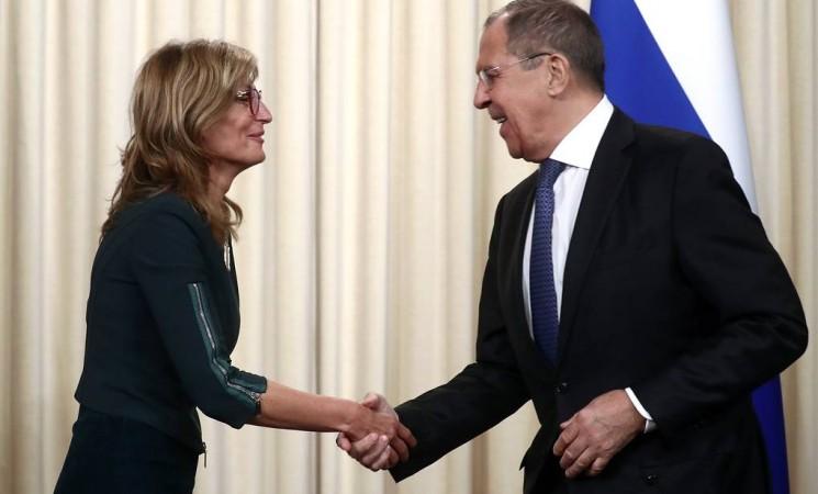 Захарова и Лавров се договориха да активизират енергийния диалог