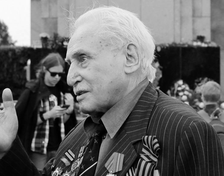 Умер последний освободитель Освенцима